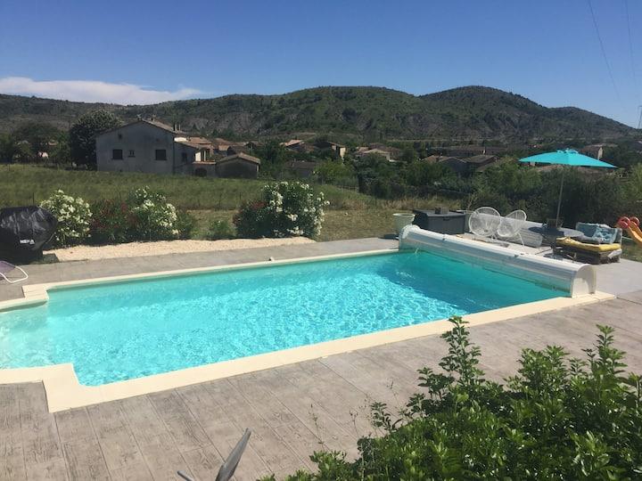Maison du sud Ardèche avec piscine chauffée