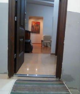 Pintu masuk tanpa tangga ke kamar