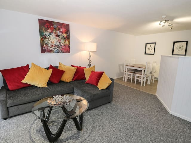Stylish apartment in the heart of Caernarfon!