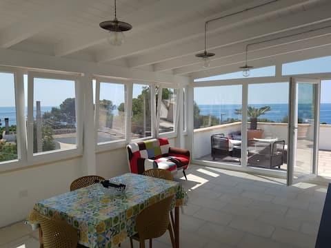 Camera con vista sul mare del Salento e di Leuca