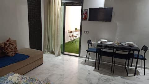 Studio Five Stars (Netflix,Wifi,Piscines,Parking)