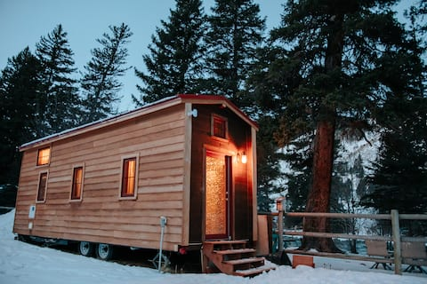 Tiny House on the Gallatin River - Big Sky