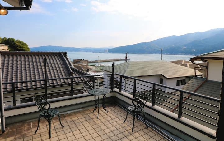 Seaside Villa in Nostalgic Small Port Town in Izu