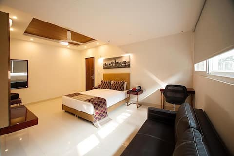Fully serviced rooms by Sankey Tank, Bangalore