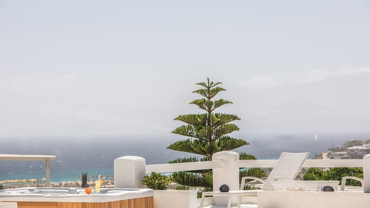 Naxos Relaxing Villa with jacuzzi  for 6