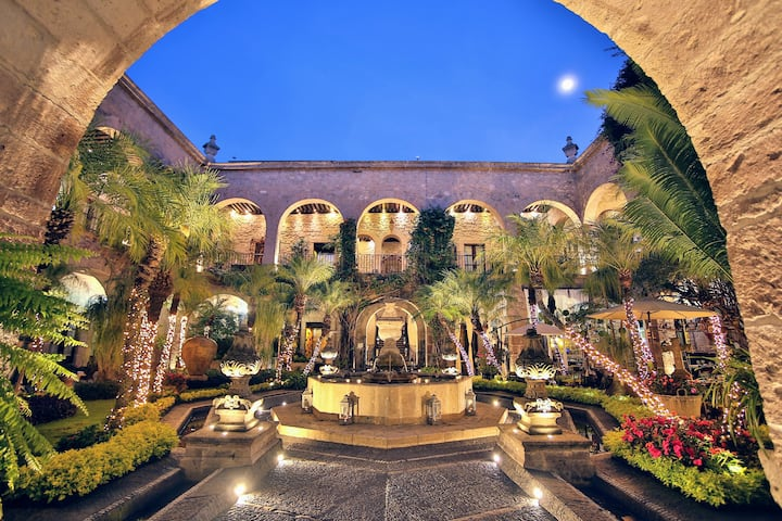 ❦Luxury in the Heart of Morelia ⇝Magical Getaway❦