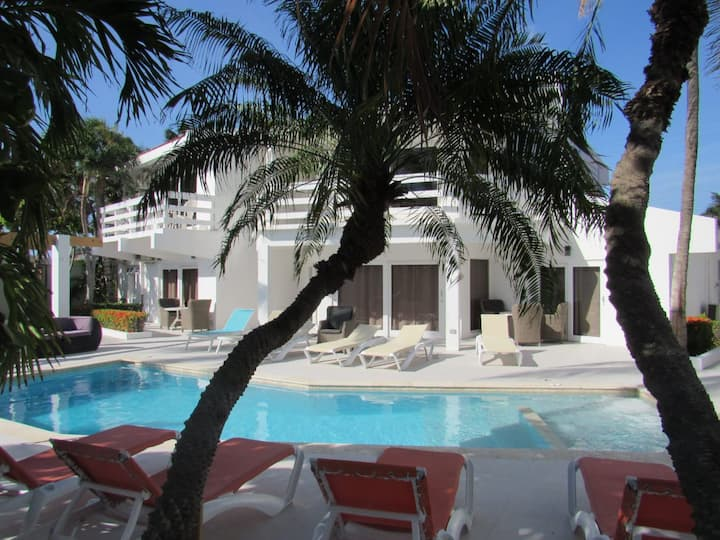 Exclusive apartment 5 minutes from eagle beach