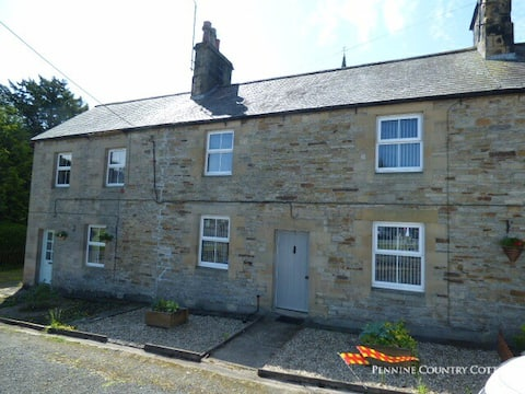 2Fountains Cottage - Stylish Cottage Hadrains Wall
