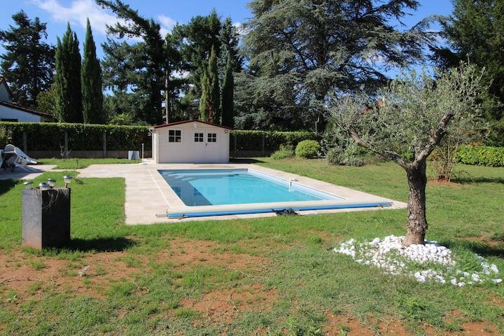 Gite La Mariposa avec piscine privée à Prayssac