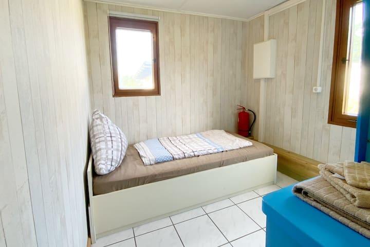 Jugendzimmer 2 / youth room (standard bed 180x90) + wardrobe (2020)