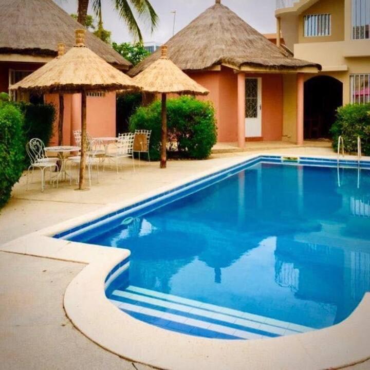 Villa à Saly Portudal avec 4 Bungalows & 2 Chambre