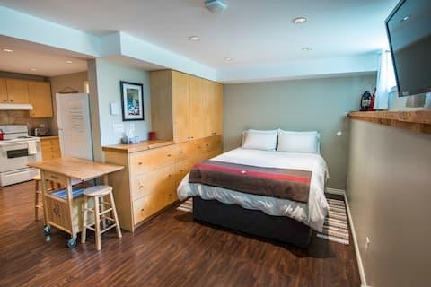Fresh Studio Apartment in Central Rossland