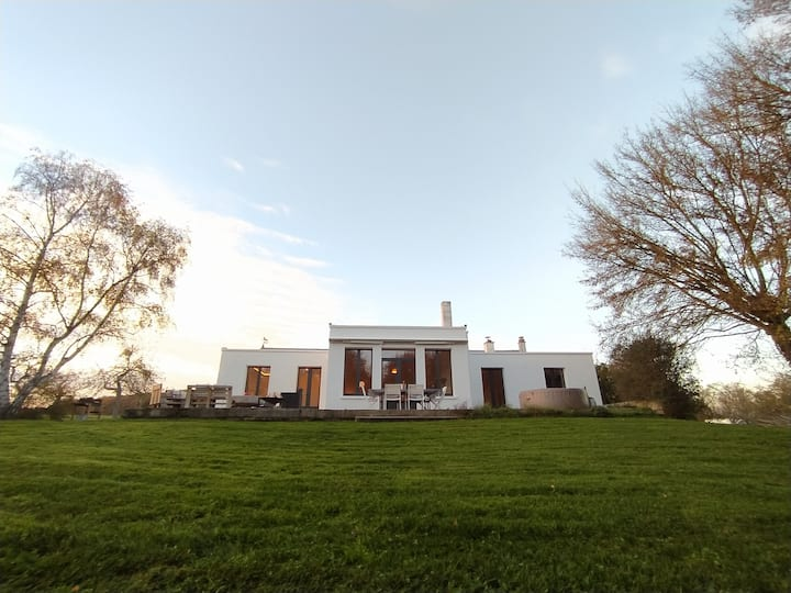 Villa sur 3 hectares - Jacuzzi et Brasero