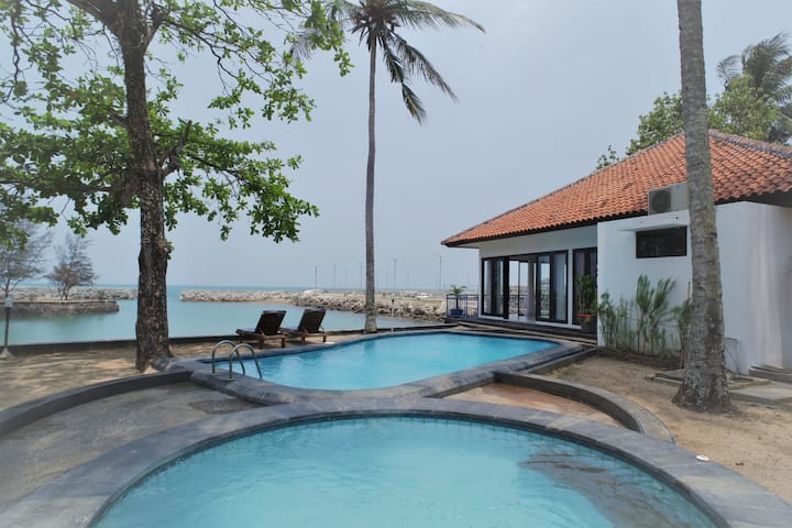 Bintang Laut Resort - Sea View A - Beach Front