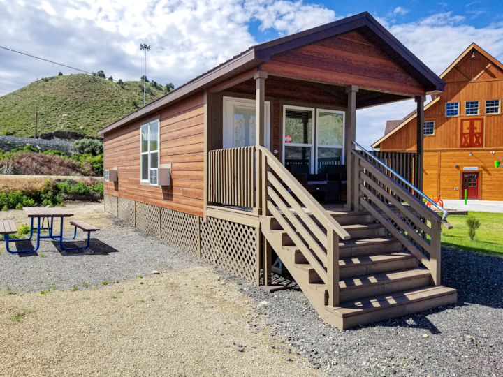 Castle Gate RV Park and Cabins (Large Cabin)