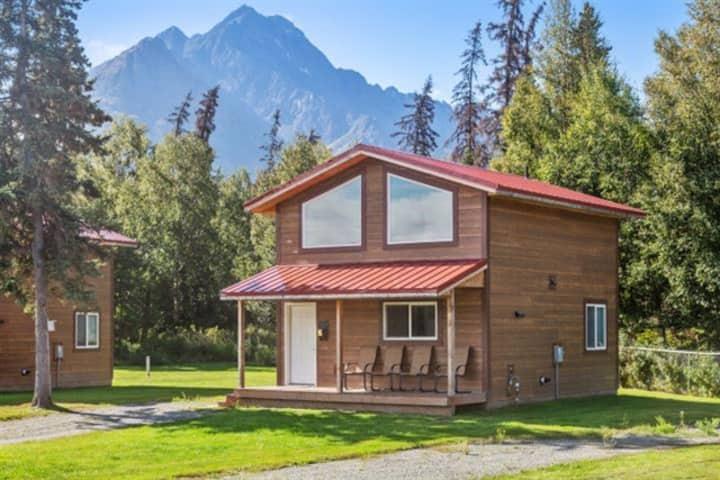 Pine Cottage @ Alaska Backcountry Cottages