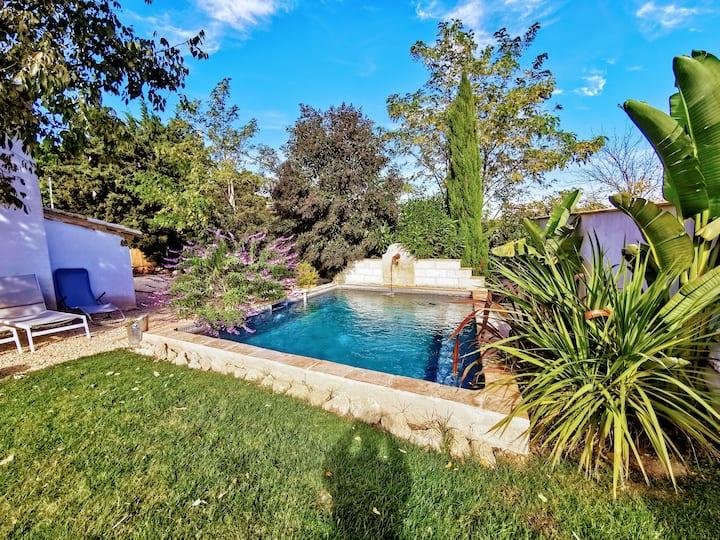 Le Mazet des Tuileries, 4/6 pers, piscine privée