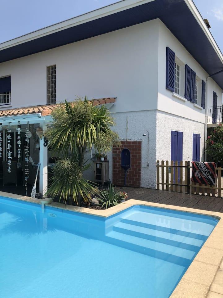 Maison bassin d'Arcachon-3 chambres-Piscine-Calme