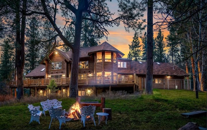 GUEST SUITE  attached to beautiful log home estate