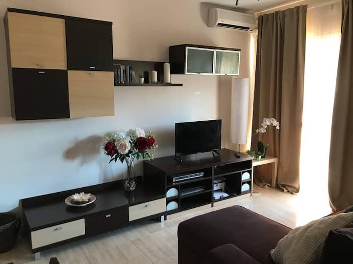 Bonito apartamento 1 dormitorio: piscina y parkin