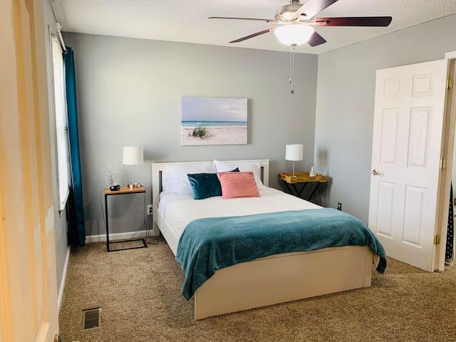 Master Bedroom - BEACH RETREAT