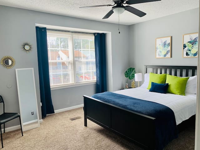 2nd Bedroom  - PALM OASIS