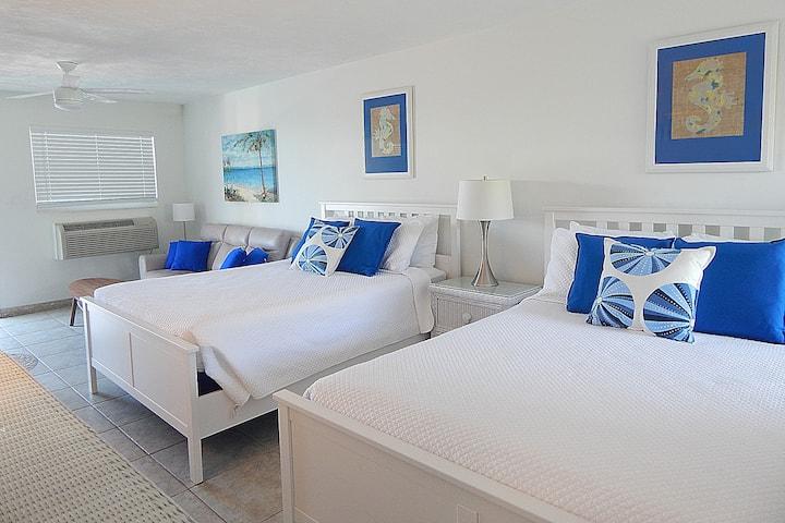 Steps to the Beach Condo Key Colony Beach Sleeps 4