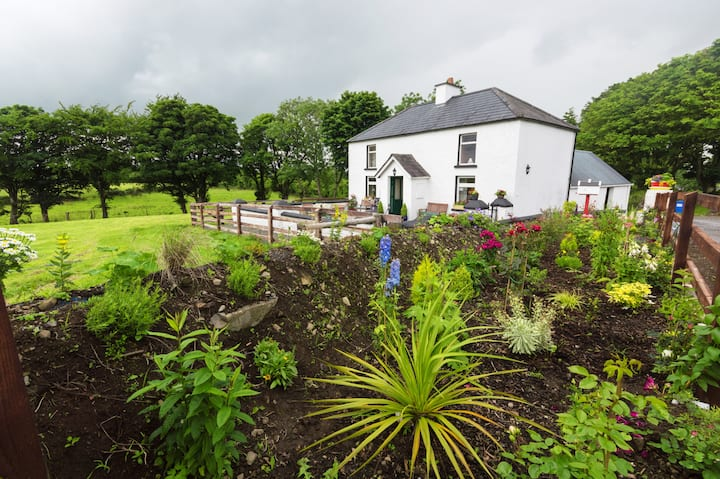 Typical Irish Farm House - Freshly updated