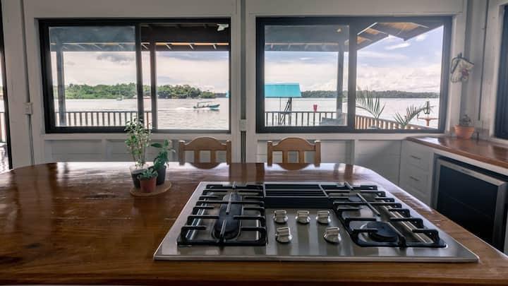 Modern Home w/ Fast Wifi, Pool, Hammocks, Snorkels