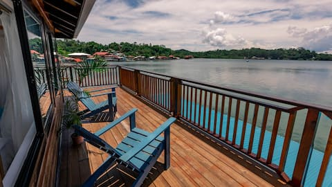 Spacious + Modern, Over the Water w/ Private Pool