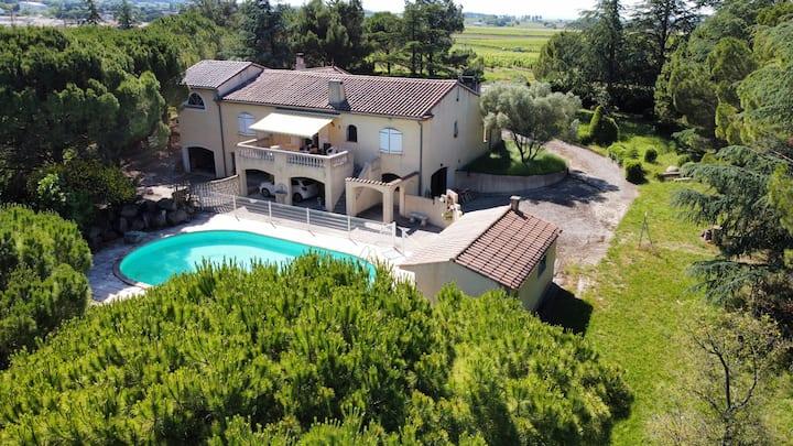 Superbe Villa de 150m² sur 8000m² de terrain clos