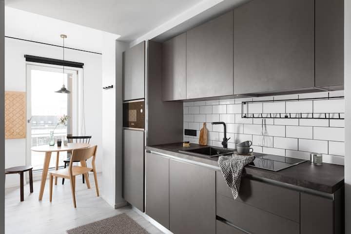 Vibrant Studio Suite With Terrace in Telliskivi