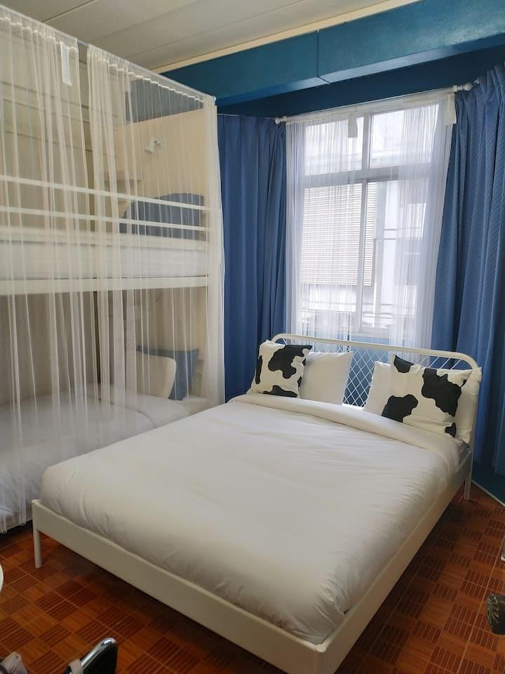 Superior Room @Acozyposhtel, DonMueang Airport BKK