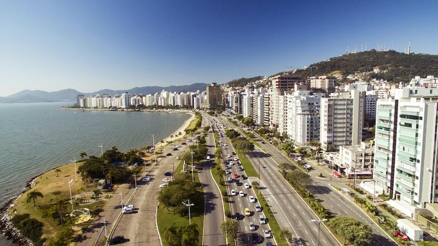 Centro/Florianópolis - Apto p/ até 4 pessoas.
