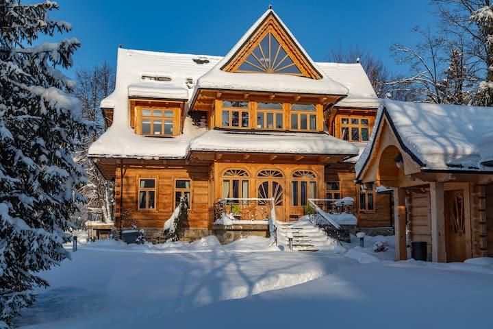 Villa Elzbiecina Luxury Residence