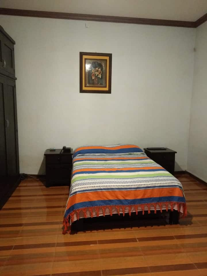 Clean, cozy and quiet 1 bedroom apt