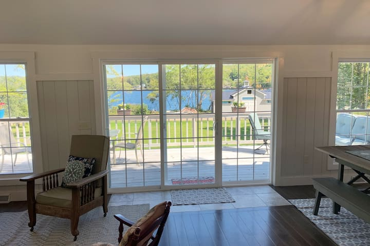 Newly Renovated New Hampshire Lakefront Cottage