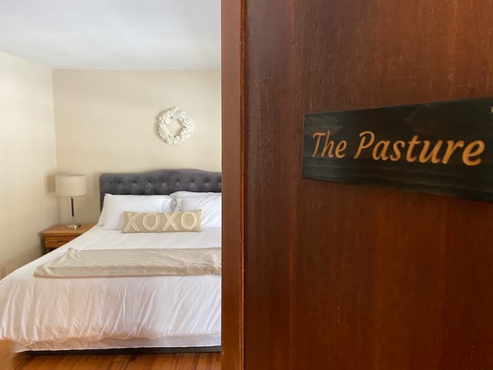 The Pasture at The Farmhouse (En-Suite Bedroom)