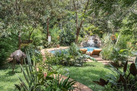 Nature Lovers - Όαση ζούγκλας με θερμαινόμενη πισίνα
