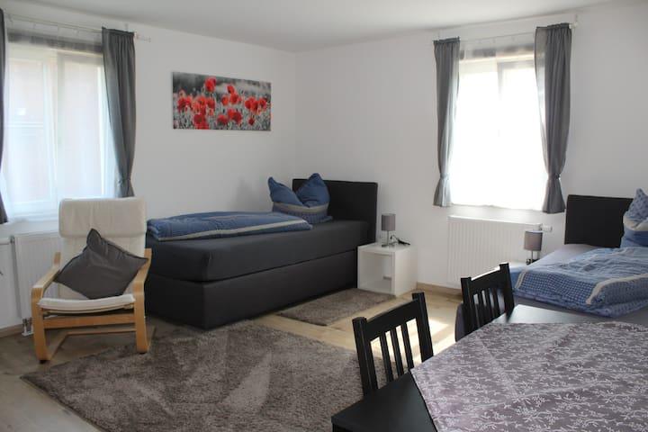 Idyllisch ruhige 2 Zimmerwohnung (4 Betten) Nr. 1