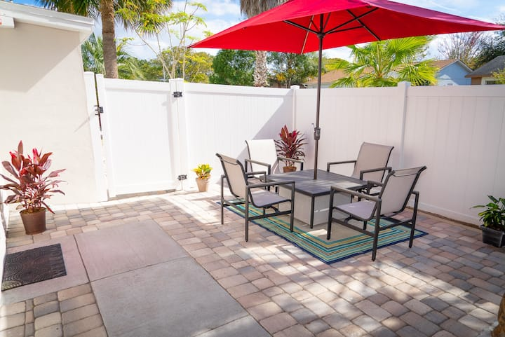 Renovated Home/Center of orlando  best location!