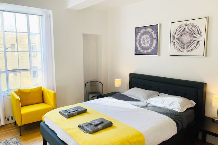 Luxury NYC 2 Bed, corner of Central Park! ★★★★★