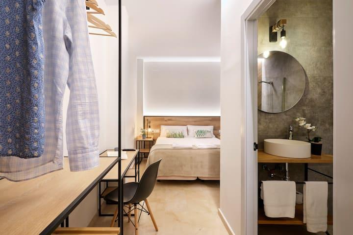 Comfortable private bedroom. La Encarnación
