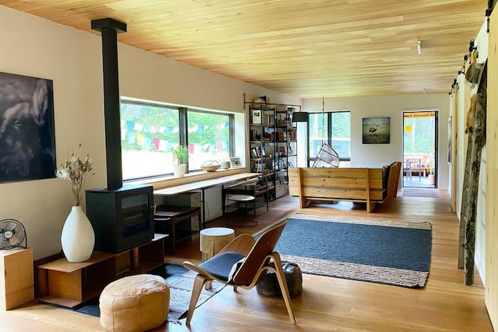 Modern Artist/Designer Loft Style Home with SAUNA