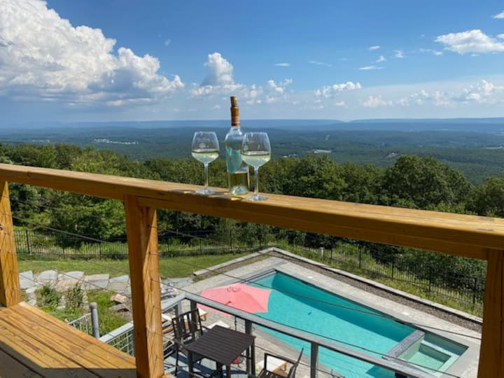 800 Sq. Mile View w/ Private Pool and Sanitized