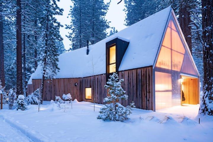 Lighthus: A Contemporary Tahoe Retreat