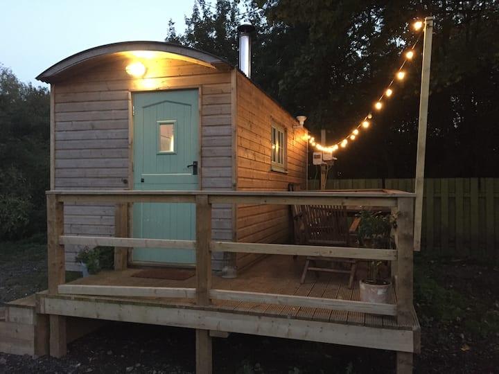 NEW! Luxury Shepherds Hut in York