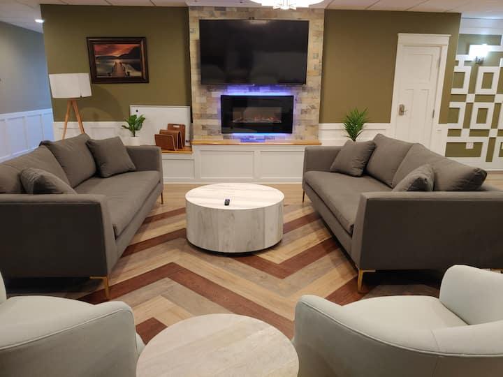 Cozy Handicap Accessible Suite