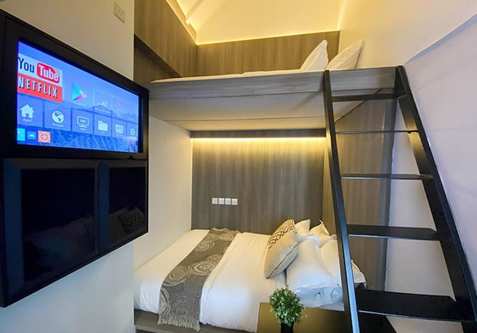 Triple cabin shared bathroom near Chinatown MRT