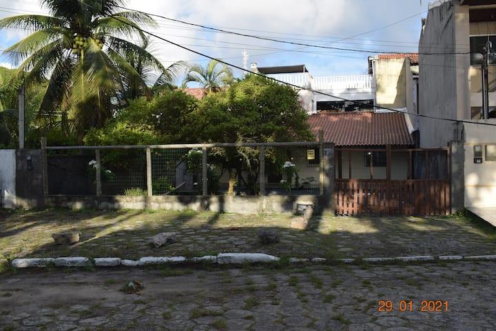 Casa de frente para praia no centro de Cabrália